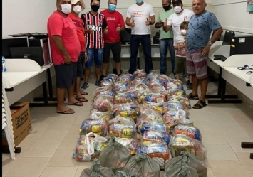 Ação Solidária garante entrega de Cestas básicas às famílias do Projeto Vamos!